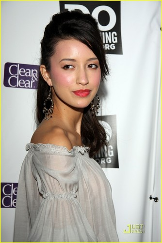 Christian Serratos fond d'écran containing a portrait called Christian at power of the youth party