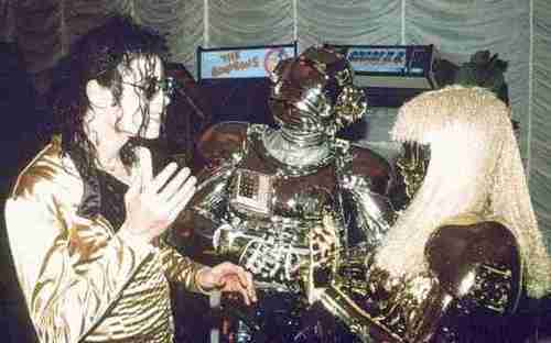 Dangerous World Tour > Off Stage > Miscellaneous