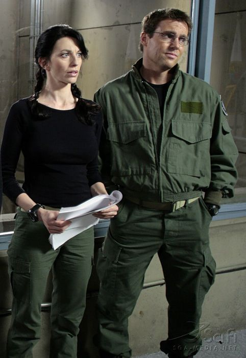 http://images2.fanpop.com/images/photos/7500000/Daniel-and-Vala-stargate-sg-1-7590157-482-700.jpg