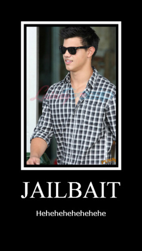 Taylor Lautner پیپر وال probably containing عملی حکمت entitled Jailbait - Taylor Lautner