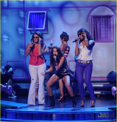 Miley @ 2009 Teen Choice Awards
