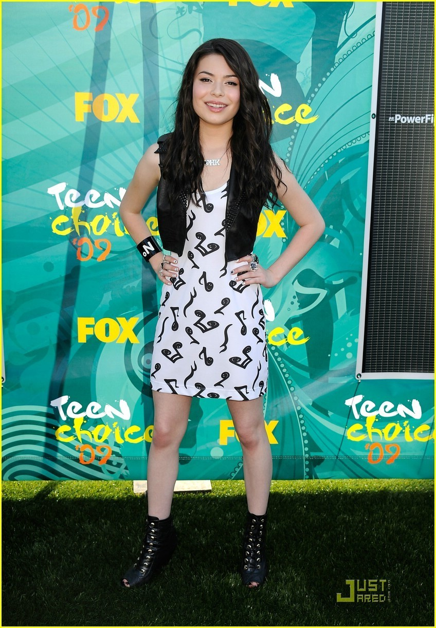 Miranda @ the 2009 Teen Choice Awards - miranda-cosgrove photo