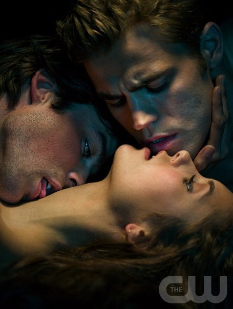 The Vampire Diaries Damon And Elena Kissing. The Vampire Diaries TV