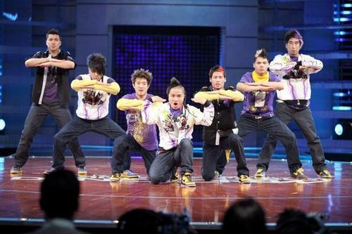 America's Best Dance Crew wallpaper with a concert titled Quest Crew Season 3