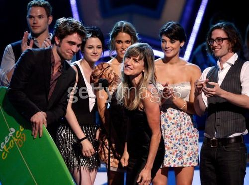 Rob inside teen choice awards- and accepting awards