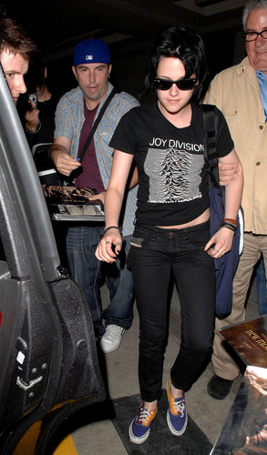 Robert Pattinson and Kristen Stewart Take Off
