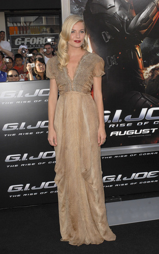 "Sienna Miller at the LA premiere of ""GI Joe: The Rise of the Cobra"""