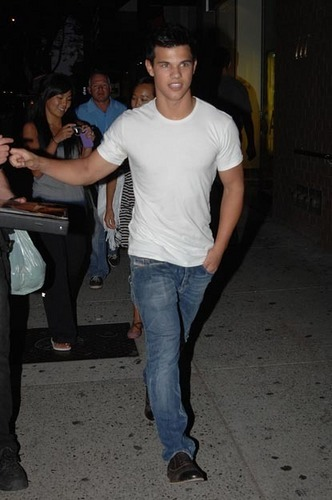 Taylor Lautner in Vanc.