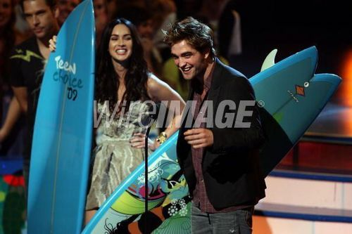 The Twilight Cast- Inside at the teen choice awards