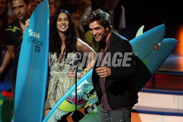 The Twilight Cast- Inside at the teen choice awards