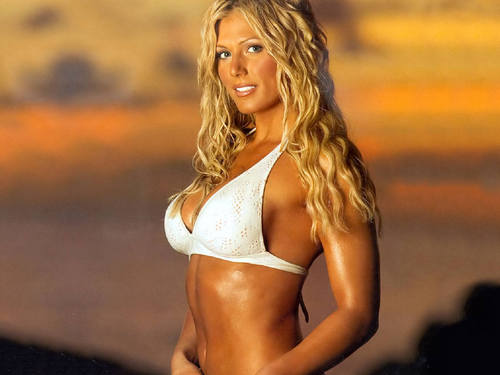 Torrie Wilson achtergrond possibly containing a bikini called Torrie Wilson