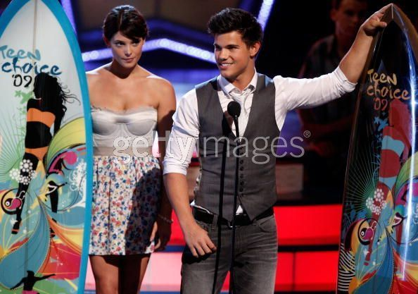 Twilight Cast- inside at the teen choice awards