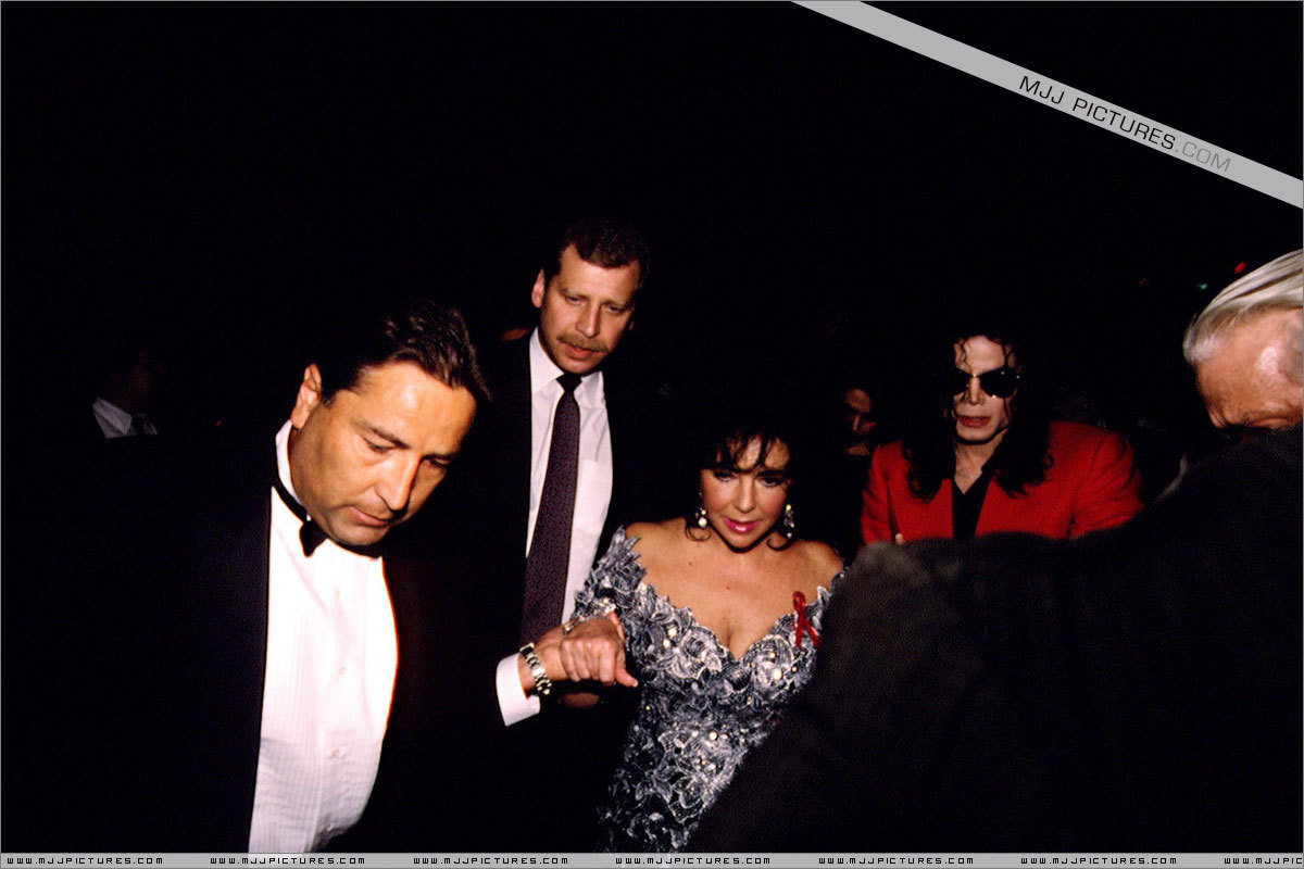 Various > Michael and Elizabeth Taylor at the Tavern On The Green