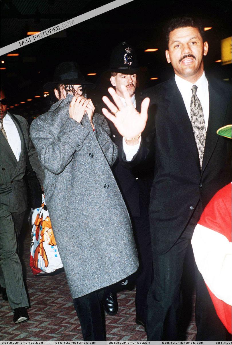 Various > Michael visits Londres