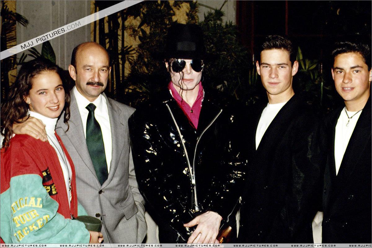Various > Michael visits Mexico