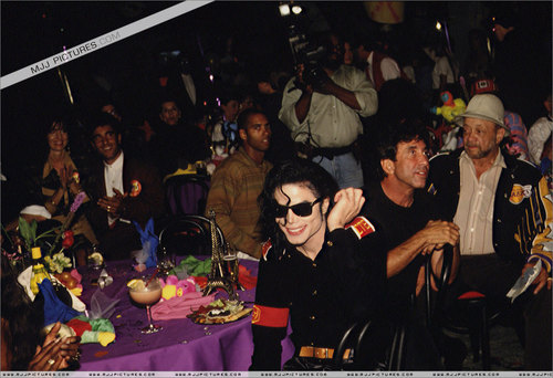 "Various > ""My abendessen With Michael"""