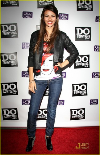 Victoria Justice wallpaper possibly with long trousers, a hip boot, and a pantleg entitled Victoria, TCA
