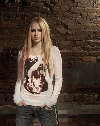 Avril Lavigne wallpaper containing a pullover called avril L