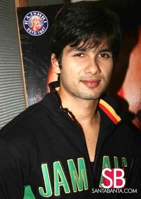 Shahid Kapoor Images Shahid Is So Cool Wallpaper And Background