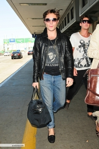 - 08.08.09 – Arriving at LAX Airport