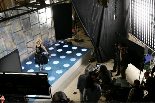 2006 - Kiss The Girl [HQ] <3
