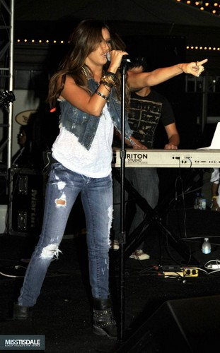 Ashley performing at The Americana in Glendale - August 12 2009 - Page 4 AUGUST-12TH-The-Americana-at-Brand-Concert-ashley-tisdale-7645284-311-500