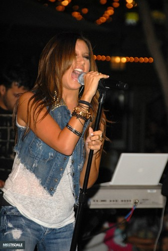 Ashley performing at The Americana in Glendale - August 12 2009 - Page 4 AUGUST-12TH-The-Americana-at-Brand-Concert-ashley-tisdale-7645354-335-500