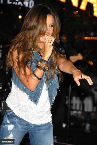 Ashley performing at The Americana in Glendale - August 12 2009 - Page 3 AUGUST-12TH-The-Americana-at-Brand-Concert-ashley-tisdale-7645355-335-500