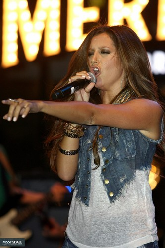 Ashley performing at The Americana in Glendale - August 12 2009 - Page 3 AUGUST-12TH-The-Americana-at-Brand-Concert-ashley-tisdale-7645429-333-500