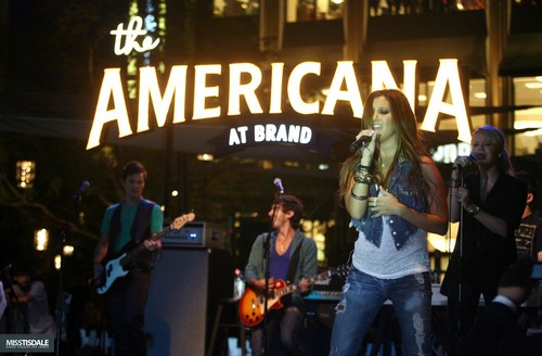 Ashley performing at The Americana in Glendale - August 12 2009 - Page 3 AUGUST-12TH-The-Americana-at-Brand-Concert-ashley-tisdale-7645436-500-328