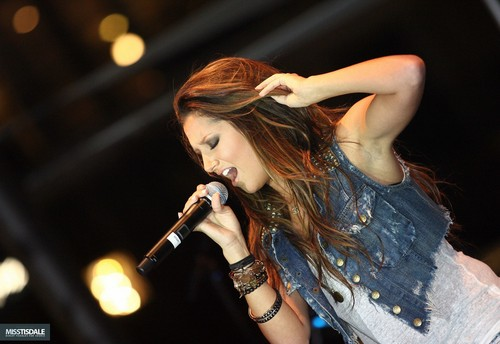 Ashley performing at The Americana in Glendale - August 12 2009 - Page 3 AUGUST-12TH-The-Americana-at-Brand-Concert-ashley-tisdale-7645438-500-344