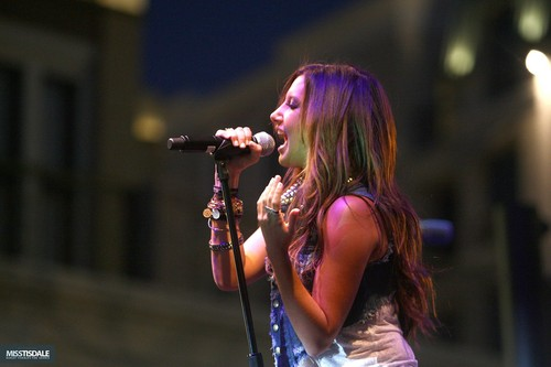 Ashley performing at The Americana in Glendale - August 12 2009 - Page 2 AUGUST-12TH-The-Americana-at-Brand-Concert-ashley-tisdale-7645615-500-333