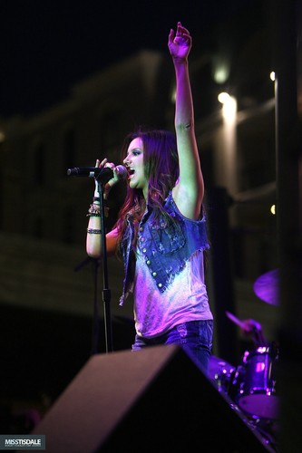 Ashley performing at The Americana in Glendale - August 12 2009 - Page 2 AUGUST-12TH-The-Americana-at-Brand-Concert-ashley-tisdale-7645684-333-500