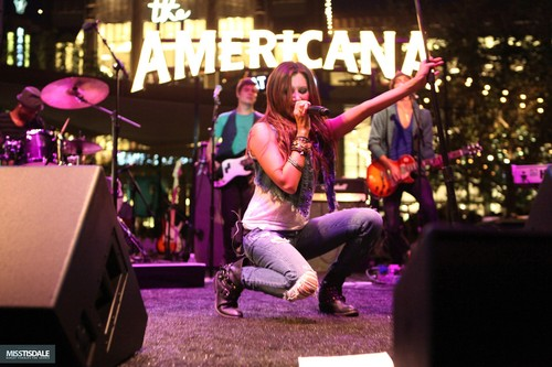Ashley performing at The Americana in Glendale - August 12 2009 - Page 2 AUGUST-12TH-The-Americana-at-Brand-Concert-ashley-tisdale-7645732-500-333