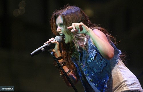 Ashley performing at The Americana in Glendale - August 12 2009 AUGUST-12TH-The-Americana-at-Brand-Concert-ashley-tisdale-7645943-500-324