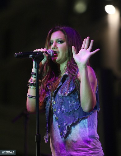 Ashley performing at The Americana in Glendale - August 12 2009 AUGUST-12TH-The-Americana-at-Brand-Concert-ashley-tisdale-7645976-389-500