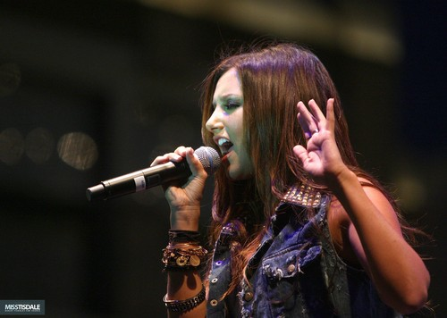 Ashley performing at The Americana in Glendale - August 12 2009 AUGUST-12TH-The-Americana-at-Brand-Concert-ashley-tisdale-7645983-500-356
