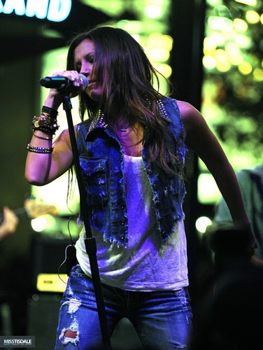 Ashley performing at The Americana in Glendale - August 12 2009 AUGUST-12TH-The-Americana-at-Brand-Concert-ashley-tisdale-7646073-376-500