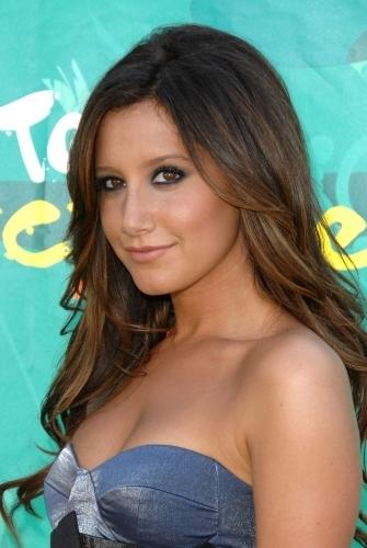 Ashley Tisdale @ 2009 Teen Choice Awards