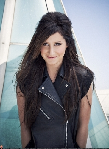 Smallz & Raskind Photoshoot-2009 Ashley-ashley-tisdale-7672960-366-499