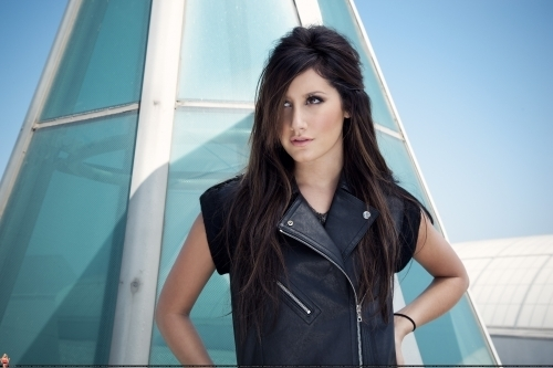 Smallz & Raskind Photoshoot-2009 Ashley-ashley-tisdale-7672962-500-333