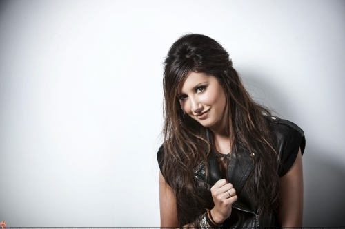 Smallz & Raskind Photoshoot-2009 Ashley-ashley-tisdale-7672970-500-333