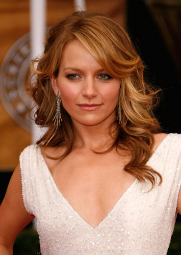 Becki Newton wallpaper containing a portrait called Becki