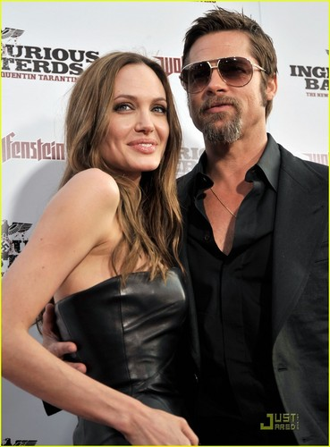 Brad Pitt wallpaper with sunglasses called Brad & Angelina @ Inglorious Basterds Premier