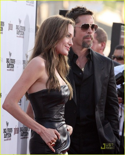 Brad & Angelina @ Inglorious Basterds Premier