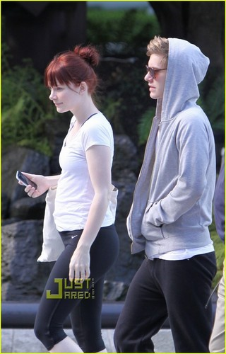 Bryce Dallas Howard & Xavier Samuel