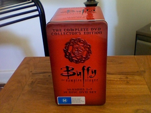 Buffy the Vampire Slayer wallpaper titled Buffy the Vampire Slayer Complete Series Tin