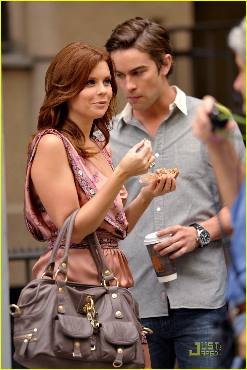 Chace Crawford And Joanna Garcia On The Set Of Gossip Girl Chace