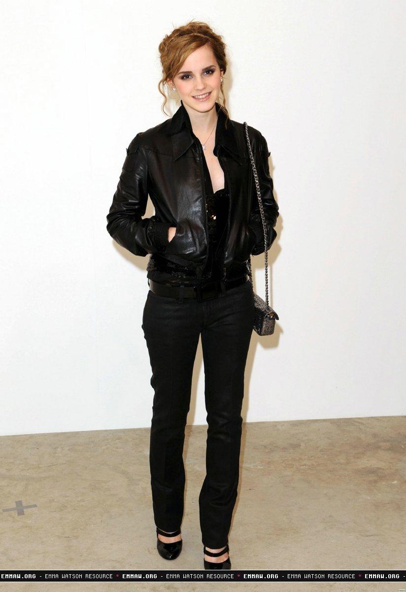 Chanel Fashion Show Emma Watson Photo 7683303 Fanpop