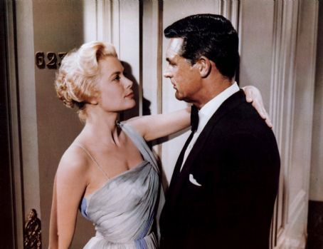 Classic Movies wallpaper probably containing a bridesmaid, a dinner dress, and a gown entitled Cary Grant and Grace Kelly